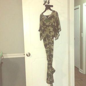 Camouflage bindi dress with belt